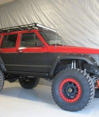 Xj. Don't think I'd go that far up with the bedliner. But a well put together xj is always nice to see.