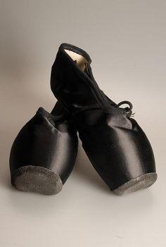 black toe shoes...