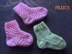 Making Socks with 2 Skewers - Babykleidung Knit Baby Dress, Knit Baby Booties, Baby Cardigan, Knitting Videos, Easy Knitting, Knitting Socks, Knit Slippers Free Pattern, Knitted Slippers, Kids Socks