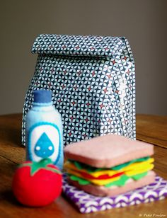 32 Ideas Sewing Patterns Bags Lunch Boxes For 2019 Box Couture, Couture Sewing, Sewing For Kids, Diy For Kids, Bag Patterns To Sew, Sewing Patterns, Sac Lunch, Creation Couture, Sewing Accessories