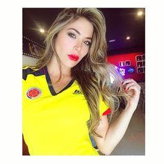 #VamosColombia 💛💙❤️ @arepasdelchef 😋👀 #SisiColombia