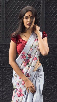 Beautiful Girl Indian, Most Beautiful Indian Actress, Beautiful Saree, Beautiful Actresses, Beautiful Women, Indian Look, Indian Ethnic Wear, Saree Photoshoot, Saree Models