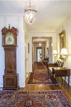 Foyer decorating – Home Decor Decorating Ideas Southern Homes, Southern Style, Traditional Decor, Traditional House, Old Fashioned Christmas Decorations, Foyer Furniture, English Country Style, Foyer Decorating, Decorating Bedrooms