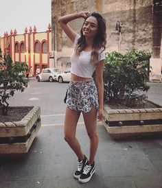 Image in 👚👖👜 Outfits. collection by Lil' Seal Girl Tennis Shoes Outfit, Tumblr Girls, Youtubers, Boho Shorts, Outfits, Womens Fashion, Instagram Posts, Fashion Tips, Clothes