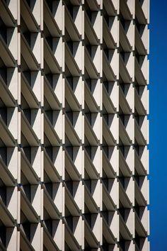 Burgo Tower, Porto, Portugal (2007) designed by the 2011 Pritzker laureate Eduardo Souto de Moura. photo by Portuguese architectural photographer Fernando Guerra FG + SG ultimasreportagens.com