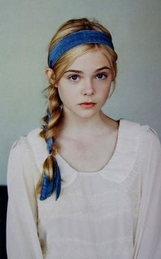 Ahhh my mom used to braid my hair like this sheen i was little! Elle Fanning for Lula Magazine Headband Hairstyles, Cute Hairstyles, Hairstyles With Ribbon, Summer Hairstyles, Hairstyle Ideas, How To Draw Braids, Medium Hair Styles, Long Hair Styles, Dakota And Elle Fanning