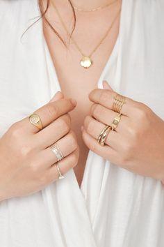 Gold Jewelry Simple, Simple Necklace, Dainty Jewelry, Cute Jewelry, Modern Jewelry, Jewelry Accessories, Gothic Jewelry, Jewelry Bracelets, Stella Dot