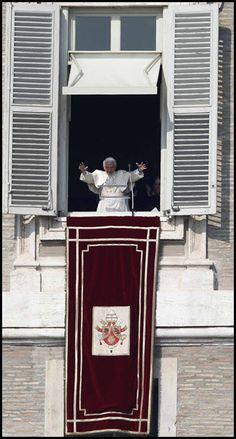 Pope Benedict XVI leads prayer