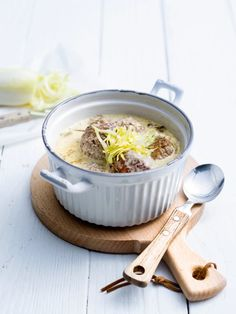Balletjes in witlofroomsaus Weekly Menu Planning, Happy Foods, Meat Chickens, Meatloaf, Food And Drink, Low Carb, Favorite Recipes, Lunch, Winter