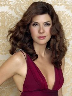 marisa tomei - one of the most stunning women in hollywood, with or without make-up.