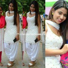 Manali Rathod in white patiyala salwar on her birthday celebrations Patiala Dress, Punjabi Dress, Pakistani Dresses, Indian Dresses, Indian Outfits, Punjabi Girls, Pakistani Suits, Patiala Suit Designs, Salwar Designs