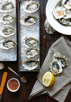 Display for oyster dish