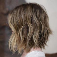Gorgeous Brown Hairstyles with Blonde Highlights Short Brown Hair with Blonde Highlights The post Gorgeous Brown Hairstyles with Blonde Highlights appeared first on Haar. Short Brown Hair With Blonde Highlights, Brown Hair Balayage, Brown Blonde Hair, Hair Highlights, Ombre Hair, Short Light Brown Hair, Caramel Highlights, Dark Blonde, Brunette Hair