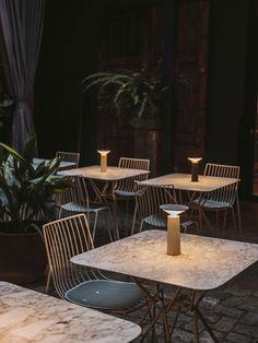 Pop Up Restaurant, Outdoor Restaurant, Restaurant Tables, Cordless Table Lamps, Light Beam, Cocktail Tables, Light Table, Cocktails, Lights
