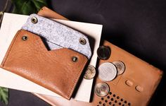 點子包【icleaXbag】經典皮革零錢卡片包,可客製刻字(咖啡色) - 點子包【icleaXbag】   Pinkoi