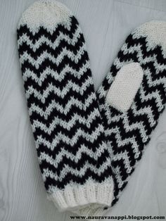 Fair Isle Knitting, Gloves, Sewing, Crafts, Crochet, Fingerless Gloves, Dressmaking, Manualidades, Couture