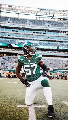 CJ Mosley Nfl Football, Football Helmets, Jet Fan, New York Jets, Heart, Awesome, Pictures, Green, Photos