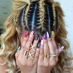 #ShareIG  All rings by @QueenPee. That crazy lady is having a 25%Off Sale Braids by the talented @pelos_de_eloteee @pelos_de_eloteee  Nails by @laquenailbar @laquenailbar
