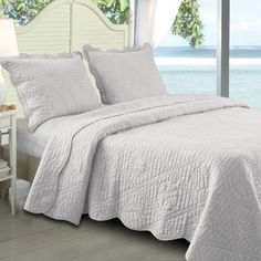 Greenland Home Fashions La Jolla Seashell Quilt Set