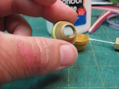 Dollhouse Miniature Furniture - Tutorials   1 inch minis: How to make paper pottery