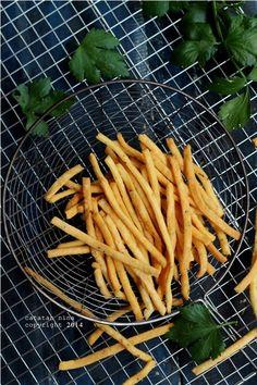 CELERY CHEESE STICK (PUTIH TELUR) | Catatan-Nina Cookie Recipes, Snack Recipes, Snacks, Rose Cake, Cheddar, Celery, Carrots, Fries, Food Photography