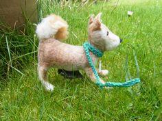 Hund: Leinen - Sonstige - Gassi-Täschchen für Kotbeutel -Kotbeuteletui - ein Designerstück von Filz-Land bei DaWanda