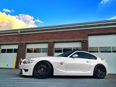 Rolling in the PNW - Alpine White E86. R0me0....you did an excellent job of transforming my old M Coupe. Well done! Bmw Z4 M, Old M, Alpine White, Bmw Cars, Dream Garage, Motor Car, Cars And Motorcycles, Cool Cars, Envy