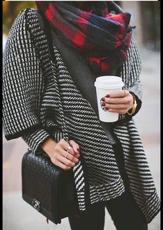Prints on priiiinnnts. #starbucks #winter