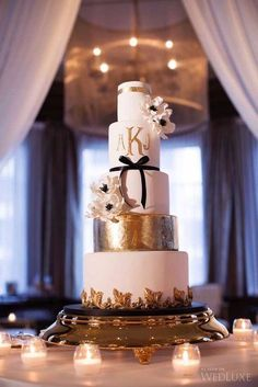 Elegant wedding cakes for black tie receptions. Photography by Lucida Photography.