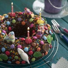 Colorful soda cake- Bunter Sprudelkuchen This birthday cake almost looks like a … - Nake Cake, Soda Cake, Bubble Cake, Carnival Cakes, Cupcakes Decorados, Pastry Cake, Food Humor, Cake Batter, Health Desserts