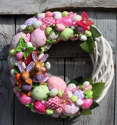 Easter topiary and decorative compositions Easter Crafts For Kids, Thanksgiving Crafts, Holiday Crafts, Easter Wreaths, Holiday Wreaths, Hoppy Easter, Easter Eggs, Easter 2018, Diy Easter Decorations
