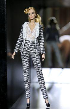 costume noir et blanc pour la royauté de la mode Poppy par Rimdoll