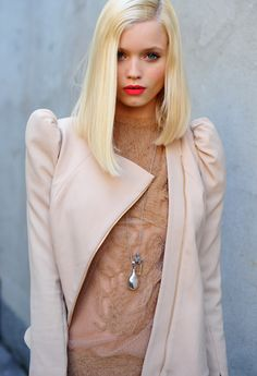 Abbey Lee, looking beautiful as ever. But it's the bold lip and dusty pinks I'm also drawn to.