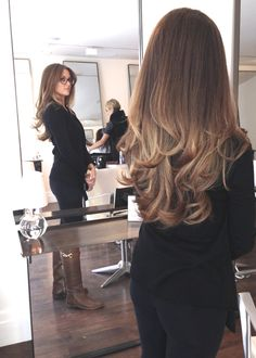 Subtle brown / blonde ombre layered hair with curls Long Layered Hair, Long Hair Cuts, Long Hair Styles, Layered Haircuts For Long Hair, Hair Color And Cut, Balayage Hair, Haircolor, Bayalage, Brown Balayage