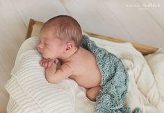 Fotografia noworodkowa w Złotowie - 12-dniowy Kubuś - Fotografia Noworodkowa Anna Kolebuk