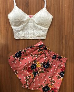 Crop Top Outfits, Short Outfits, Outfits For Teens, Trendy Outfits, Fashion Outfits, Womens Fashion, Cute Summer Outfits, Cute Outfits, Grunge Outfits