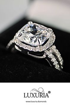 Our fake diamond rings are virtually indistinguishable from a diamond with the naked eye. Only your jeweller can tell the difference! Fake Engagement Rings, Beautiful Engagement Rings, Engagement Wedding Ring Sets, Diamond Wedding Rings, Diamond Rings, Diamond Jewelry, Jewelry Rings, Bling Wedding, Wedding Stuff