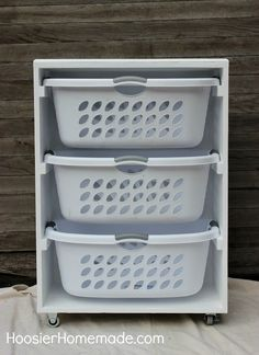 Managing laundry for a big household? Build a laundry sorter to hold everyone's basket.                                                                                                                                                                                 Mehr