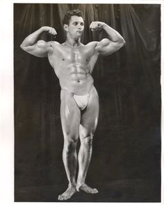 Art Zeller flexes his very large biceps for Lon of NY.