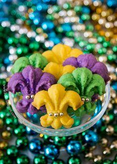 Mardi Gras Fleur de Lis Spritz Cookies - bright, festive and so fun to make - lassez les bon temps rouler!