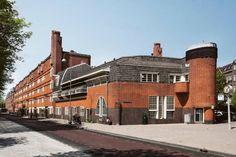 Home - Museum Het Schip Amsterdam School, Brick Facade, Social Housing, Slums, Brickwork, Art Deco Design, Gaudi, Modern Architecture, Netherlands