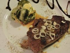 fillet steak with broccoli gratinati: parboil the broccoli and put in a dish.Beat an egg with milk and parmesan cheese and pour over the broccoli. Add pieces of cheese (I used emmenthal and scamorza) and bake at 180°
