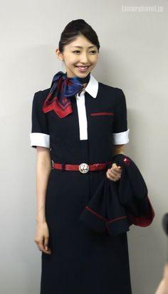 日本航空のCAさん - Google 検索 JALの社内見学会に行ってきた9 CA新制服ファッションショー編 – 2013/03/03 POSTED IN: ホテルニュース, レビュー・体験記