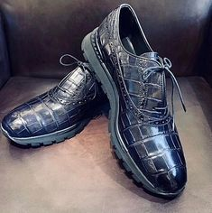 Alligator leather walking sneakers lightweight running shoes for sale, These fashion alligator leather shoes for men can be not only worn as lightweight sneakers and loafers but also perfect for casual. Mens Shoes Boots, Men's Shoes, Shoe Boots, Dress Shoes, Lightweight Running Shoes, Sneaker Boots, Stylish Men, Leather Sneakers, Loafers Men