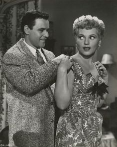 Jack Lemmon and Judy Holliday - It Should Happen To You