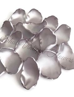 Beautifully handcrafted flower petals for your wedding or special event.    Light silver flower petals, silver rose petals, table decor, flower girl petals, alternative wedding, baby shower decor, bridal shower decor  #FabricFlowerPetals #AlternativeFlowers #FlowerPetals #TableDecor #LightSilver #FlowerGirl #BabyShowerDecor #WeddingDecor #RosePetals #TableDecoration Etsy Christmas, Christmas Gifts, Bridal Shower Decorations, Decoration Table, Silver Flowers, Alternative Wedding, Flower Petals, Bridal Showers, Satin Fabric