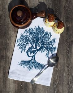 Kitchen Dish Towel - Screen Printed - Cotton Flour Sack Towel - Hand Tea Towel - Guitar Gift - Funny Gifts - Willow Tree Playing Guitar Printed Napkins, Cotton Napkins, Printed Cotton, Kitchen Hand Towels, Dish Towels, Tea Towels, Dinner Napkins, Napkins Set, Guitar Gifts