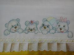 Fralda Pintada a mão.  De 1º qualidade Cremer.  Com barrado em tecido 100% algodão ,bordado inglês e passa fitas.  Os tecidos estão sujeitos a variação mantendo o padrão de cores. R$ 28,00