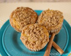 Banana Streusel Muffins - Shari Blogs Mini Desserts, Just Desserts, Fall Recipes, Healthy Recipes, Italian Pastries, Baking Muffins, Easter Brunch, Taste Buds, Let Them Eat Cake
