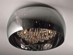 Chromowana lampa sufitowa w stylu glamour sprawdzi się w każdym wnętrzu. #mlamp #oświetlenie #lampa #lampy #glamour #wystrójwnętrz #salon #plafon